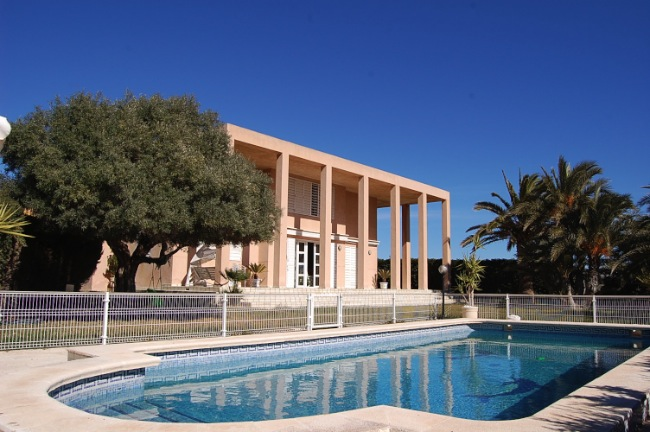 4 bed Villa for Sale in Punta Prima