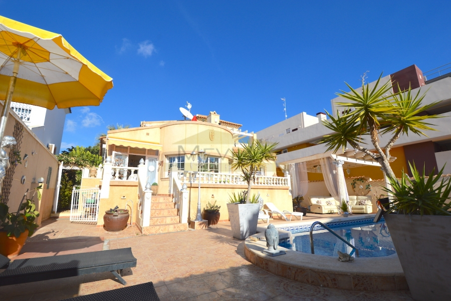 VILLA INDEPENDIENTE CON PISCINA PRIVADA EN PLAYA FLAMENCA