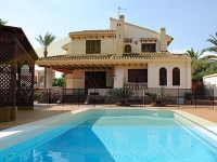 VILLA MIT POOL IN CAMPOAMOR, ORIHUELA COSTA