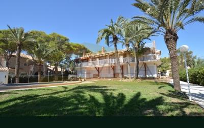 Chalet / Villa - Reventas - Orihuela Costa - Punta Prima